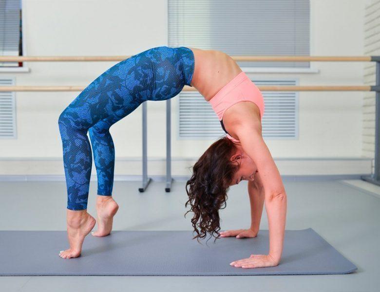 Упражнения, чтобы научится вставать на руки